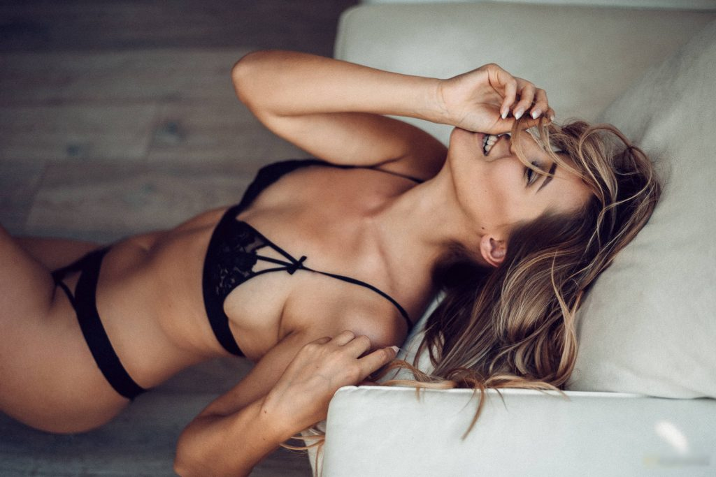 Sexy petite girls who are cheap escorts in London